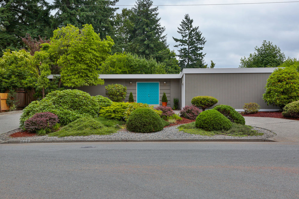 602+165th+Ave+NE+Bellevue+WA-large-001-12-Front+of+Home-1500x1000-72dpi.jpg