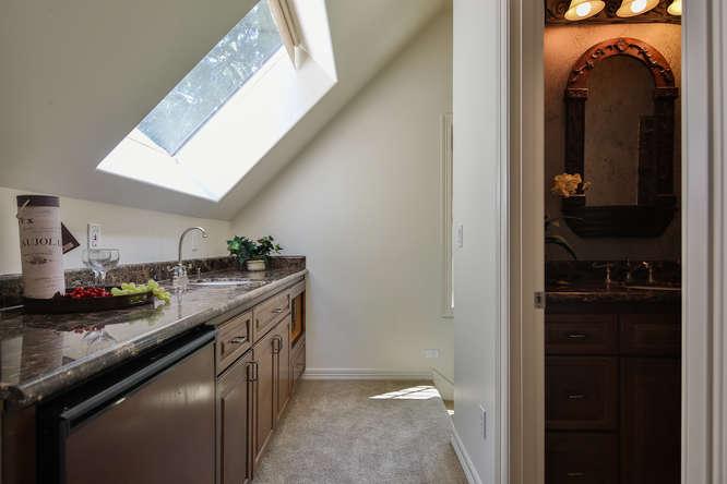 428 289th Pl NE Carnation WA-small-038-32-Guest cottage-666x444-72dpi.jpg