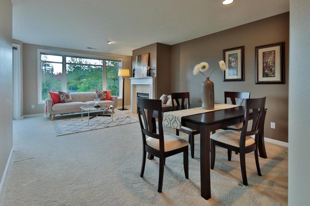 09225 4th Ave Kirkland WA 98033-large-021-22-Eating Area  living room-1500x1000-72dpi.jpg