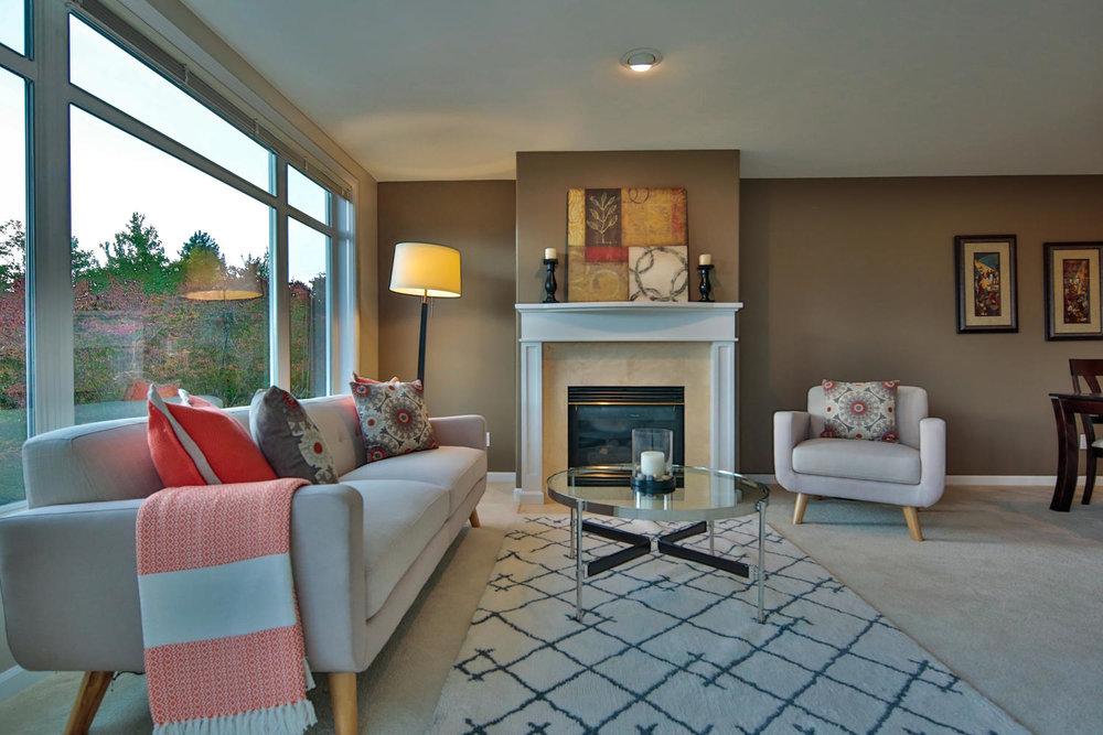 011225 4th Ave Kirkland WA 98033-large-023-24-Living Room-1500x1000-72dpi.jpg