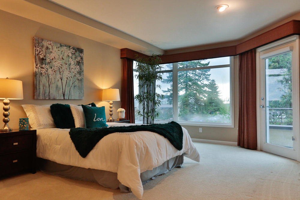 015225 4th Ave Kirkland WA 98033-large-029-13-Master Bedroom Ensuite-1500x1000-72dpi.jpg