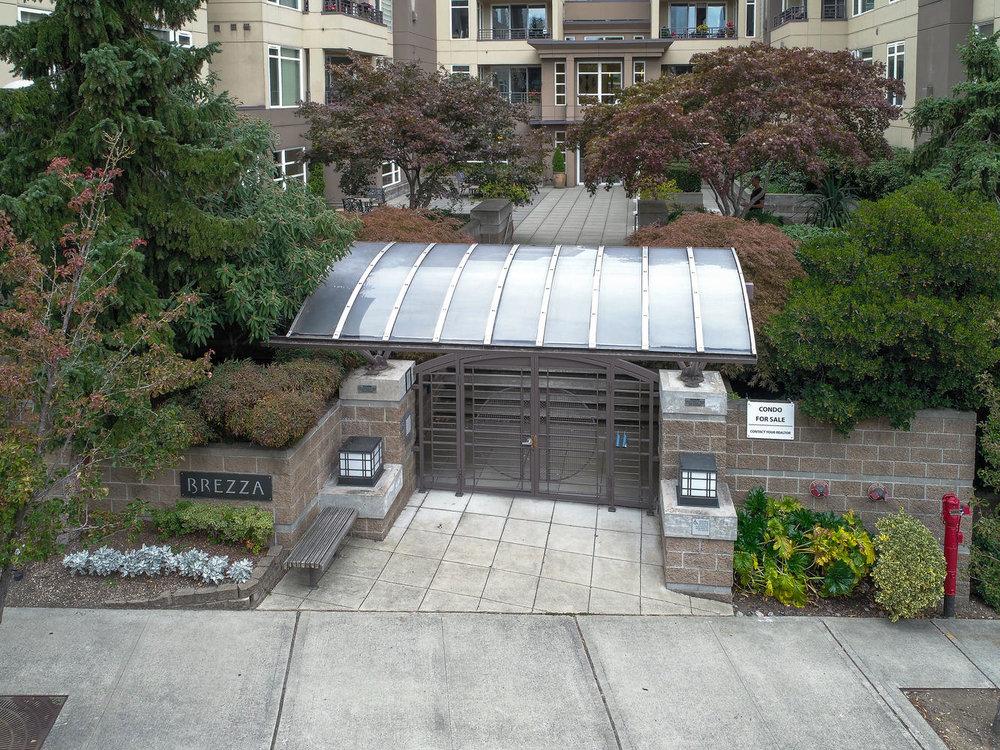 020225 4th Ave Kirkland WA 98033-large-009-5-Private courtyard entry-1334x1000-72dpi.jpg