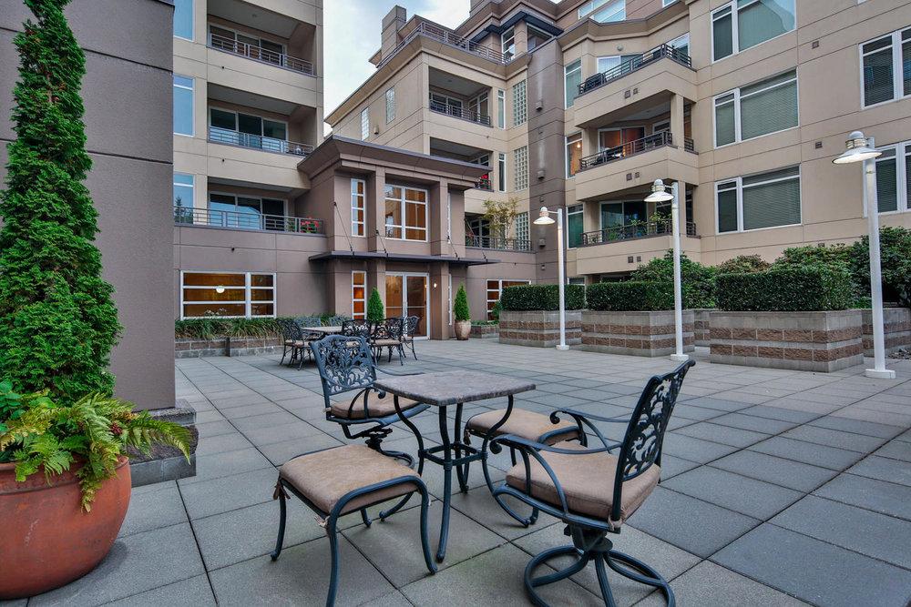 021225 4th Ave Kirkland WA 98033-large-010-12-Courtyard-1500x1000-72dpi.jpg
