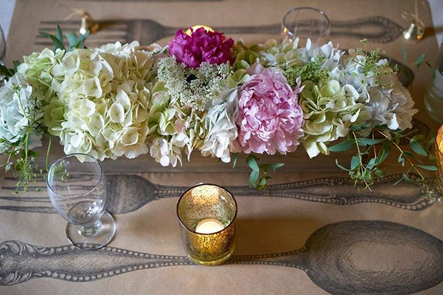 Perfect table setting for a casual, vintage, foodie couple from NE Minneapolis. Happy Anniversary (be it a little belated) to Monica & Ricky!