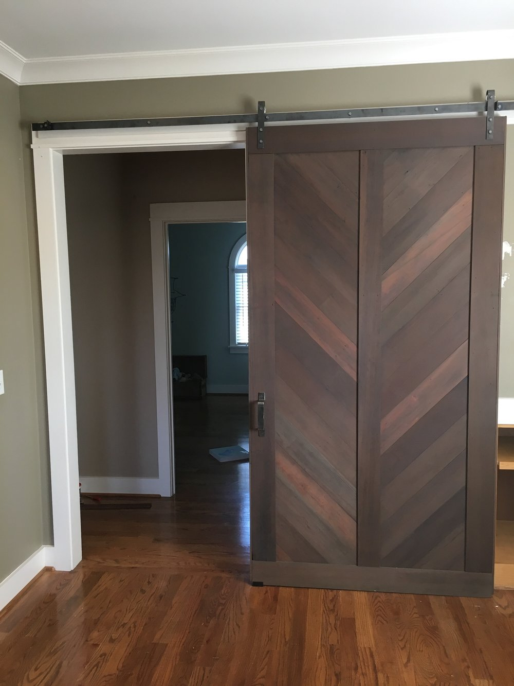 Single Door, Reclaimed Redwood (Stained), Chevron Style Classic Track Raw Finish