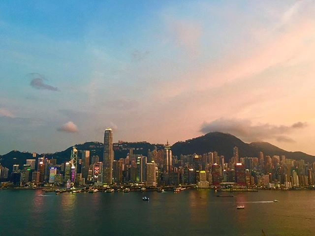 #fbf to one of the few times Hong Kong actually had a visible sunset. Good news this weekend looks clear.🤞