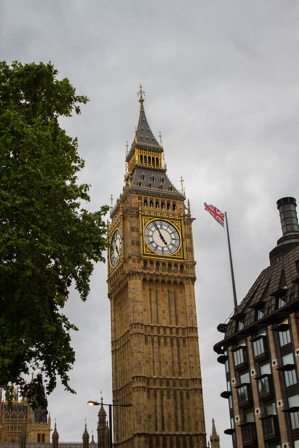 London Time - Big Ben | Four Threads