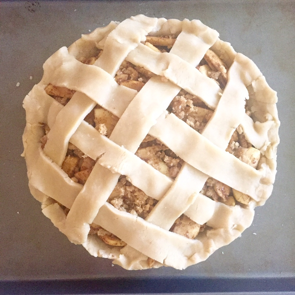 Apple pie before going in the oven