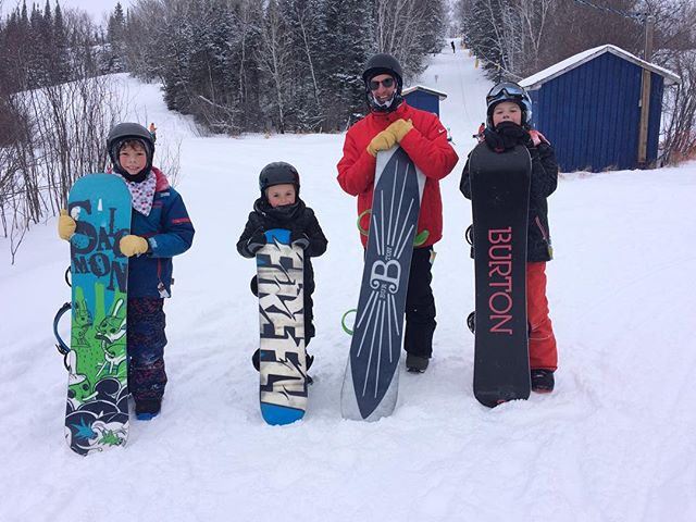 This is Randy's crew for the coaching clinic!  @mbsnowboard @backsidenines @falcon_ridge