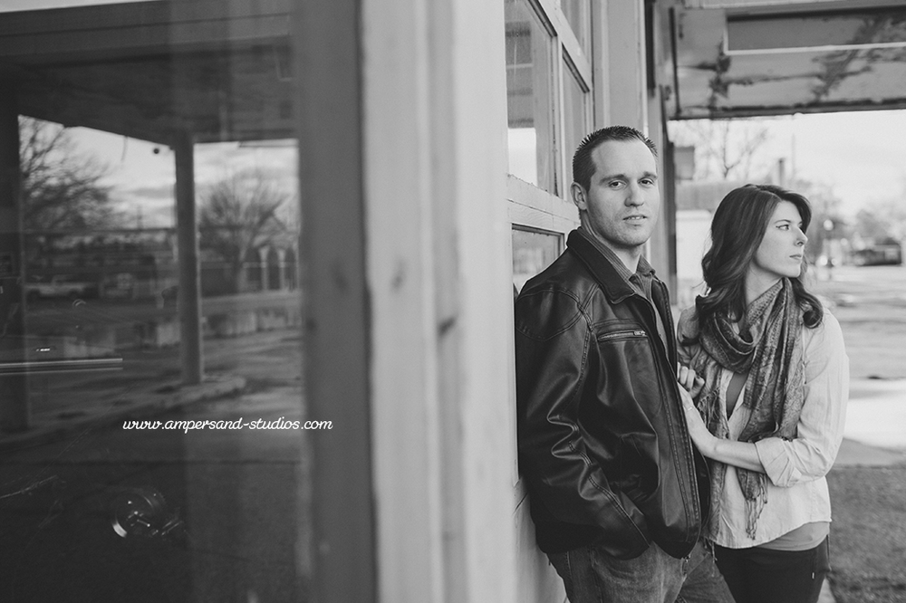 Eagle_Photographer_Idaho_Coffee_Shop_Engagement-117