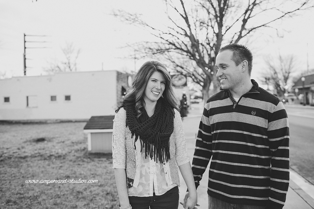 Eagle_Photographer_Idaho_Coffee_Shop_Engagement-120