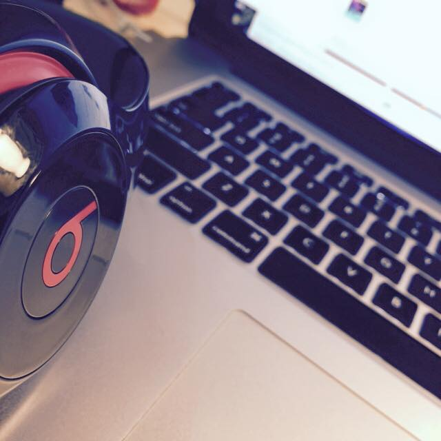 laptop_beats.jpg