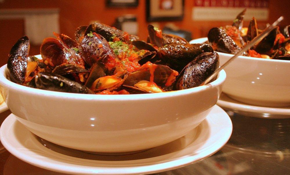 Roccos Mussels.jpg