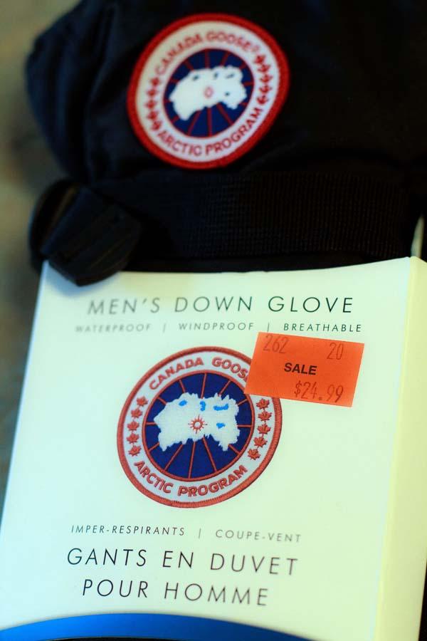 Iqaluit, Nunavut - Canada Goose down gloves