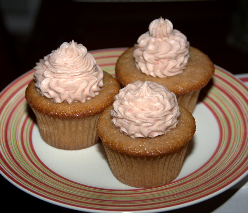strawberry cupcakes with strawberry-vanilla buttercream