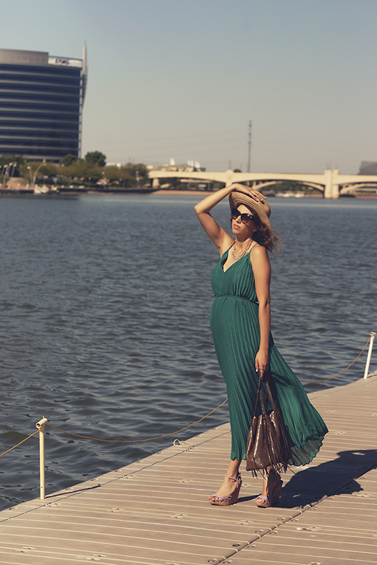 pleated_maxi_dress2.jpg