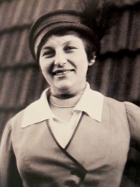 Lilly Reich 1885-1947.jpg