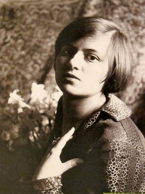 Marianne Brandt 1893-1983.jpg
