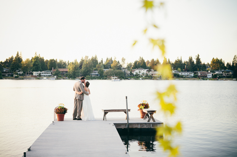 Seattle backyard wedding by the lake
