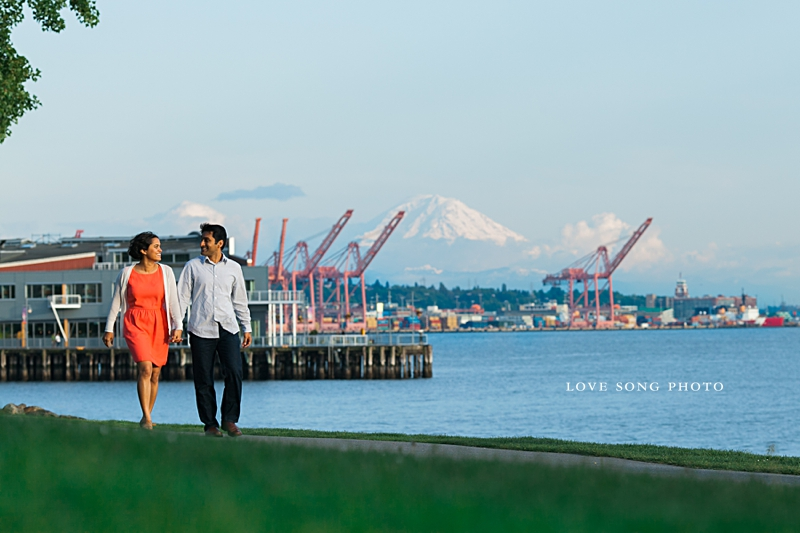 seattle sculpture park engagement session