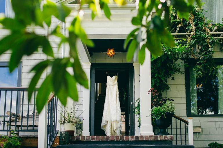 alki bathhouse west seattle wedding photos