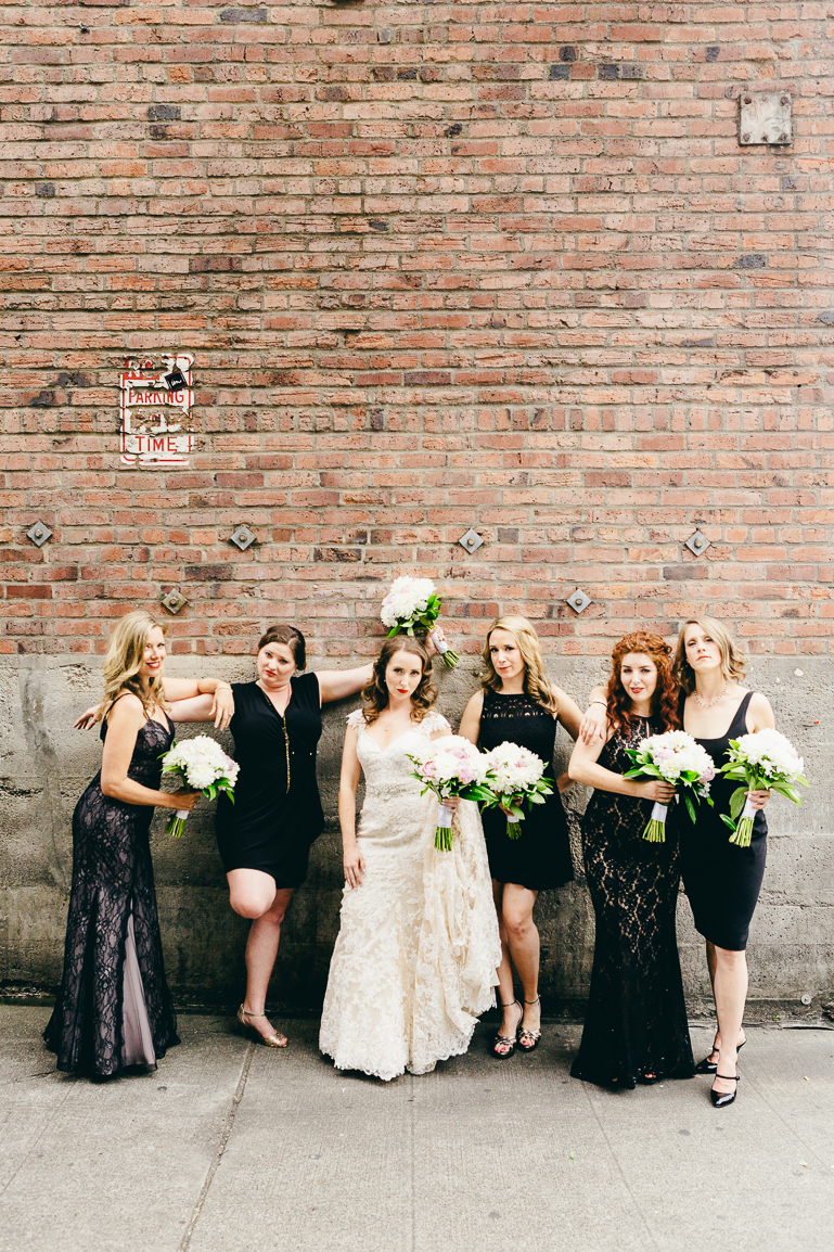 pike place market bridesmaids-0001
