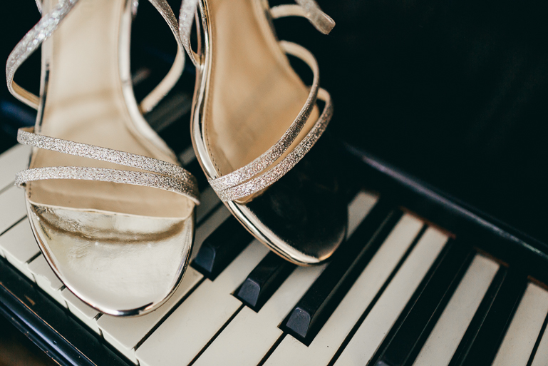seattle-intimate-wedding-photos-cafe-flora-wedding-0006.jpg