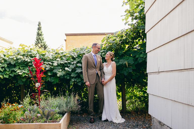 seattle-intimate-wedding-photos-cafe-flora-wedding-0025.jpg