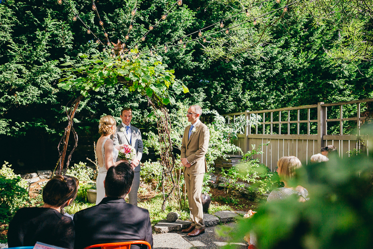 seattle-intimate-wedding-photos-cafe-flora-wedding-0064.jpg