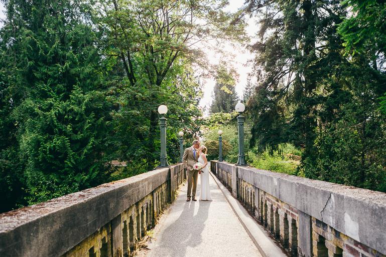 seattle-intimate-wedding-photos-cafe-flora-wedding-0090.jpg