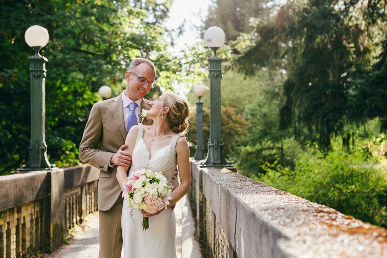 seattle-intimate-wedding-photos-cafe-flora-wedding-0095.jpg