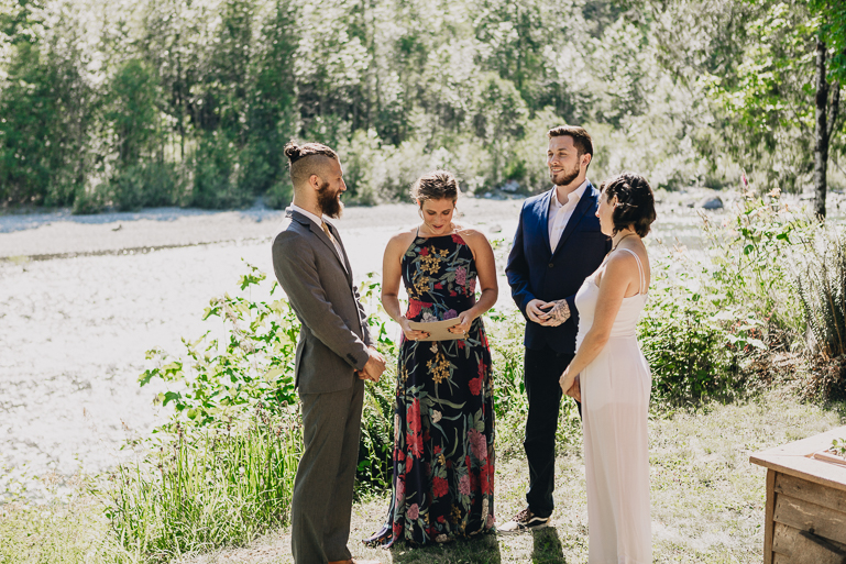 skyomish-river-elopement-photos-kristawelch-0018.jpg