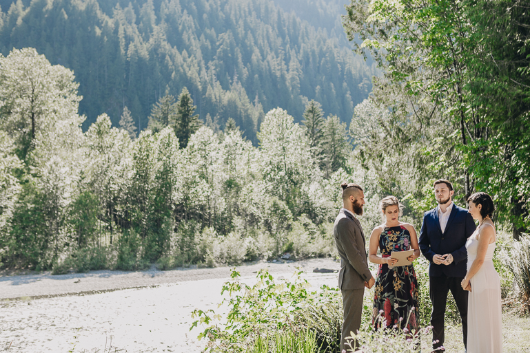skyomish-river-elopement-photos-kristawelch-0020.jpg