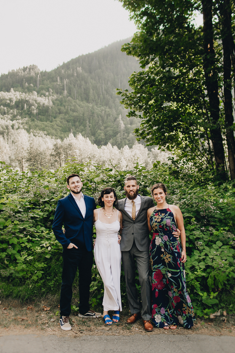 skyomish-river-elopement-photos-kristawelch-0022-1.jpg
