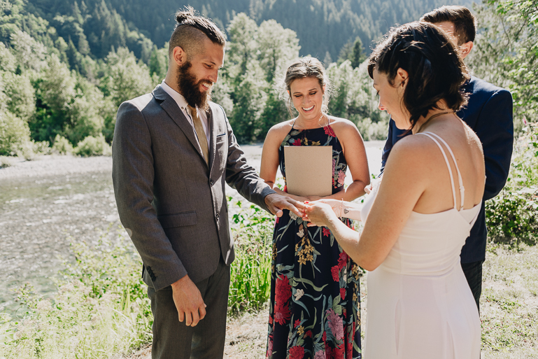 skyomish-river-elopement-photos-kristawelch-0022.jpg