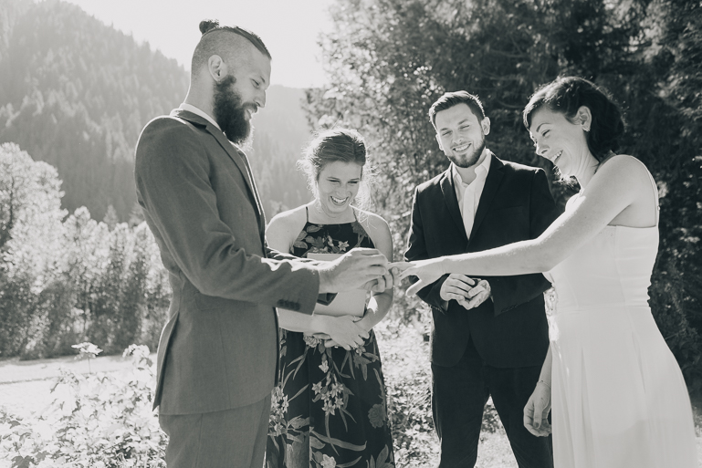 skyomish-river-elopement-photos-kristawelch-0024.jpg