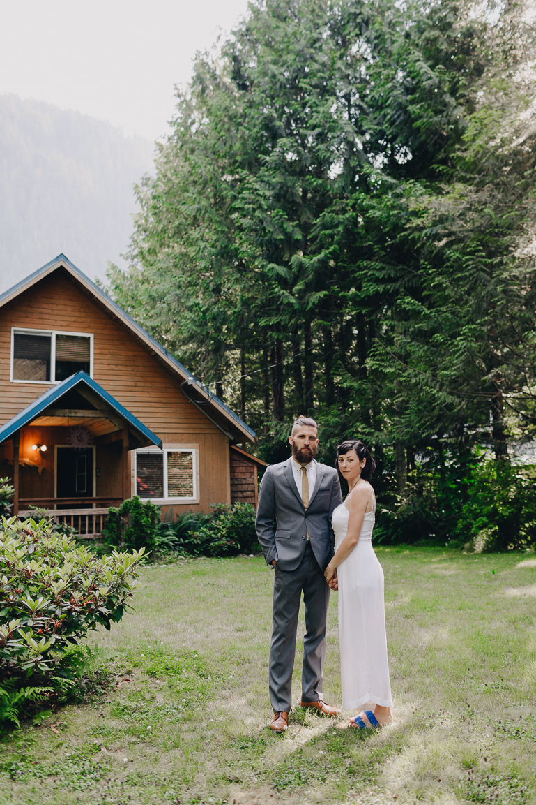 skyomish-river-elopement-photos-kristawelch-0025-1.jpg