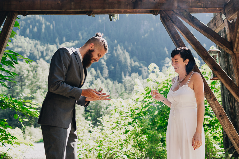skyomish-river-elopement-photos-kristawelch-0031.jpg