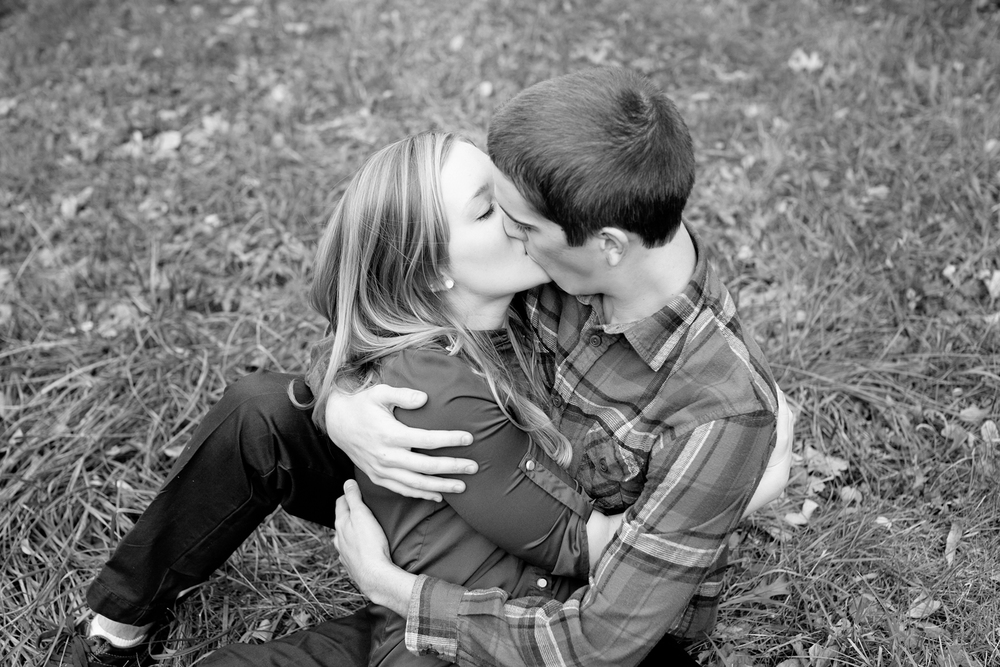 LaceHanky_EngagementPhotography_005.jpg
