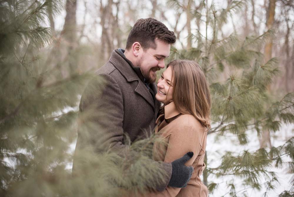 LaceHanky_Wisconsin_Engagement_003.jpg