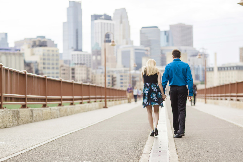 _LaceHanky_Minneapolis_EngagementPhotos_001.jpg