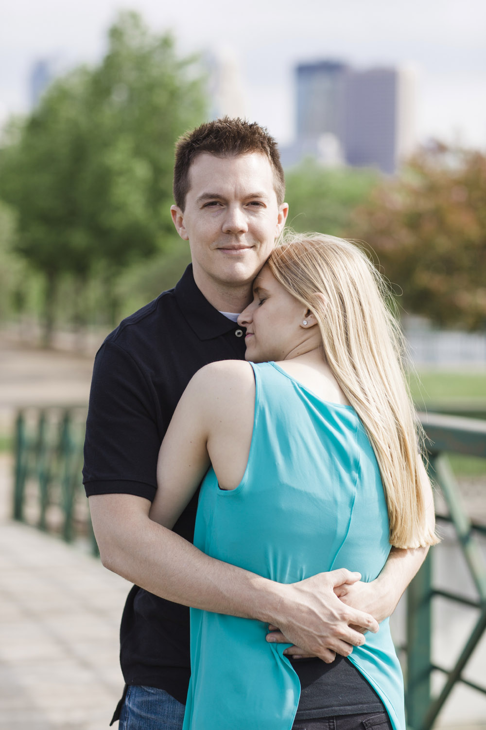 _LaceHanky_Minneapolis_EngagementPhotos_011.jpg