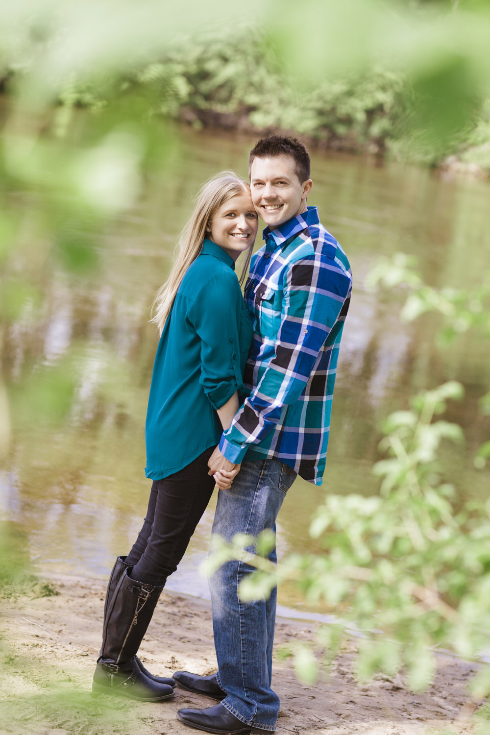 _LaceHanky_Minneapolis_EngagementPhotos_014.jpg