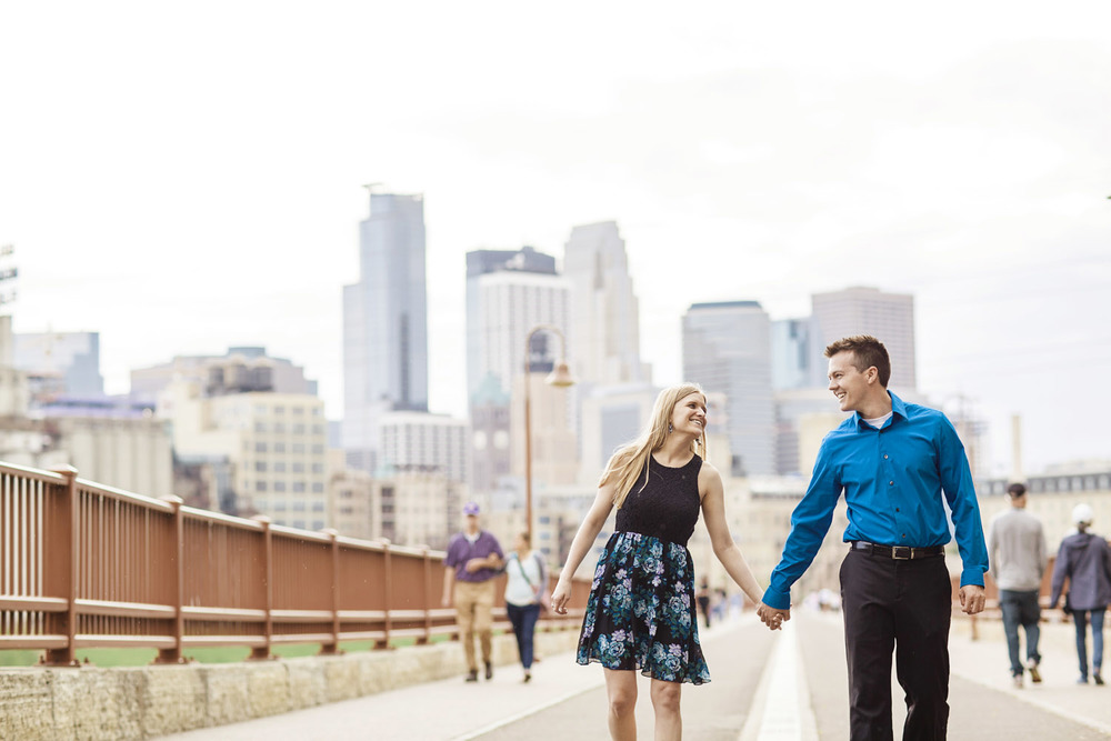 _LaceHanky_Minneapolis_EngagementPhotos_017.jpg