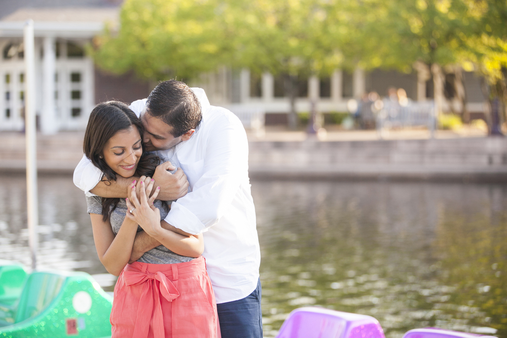 centennial_lake_edina_engagement_04.jpg