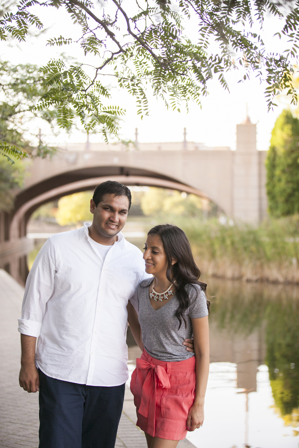 centennial_lake_edina_engagement_08.jpg