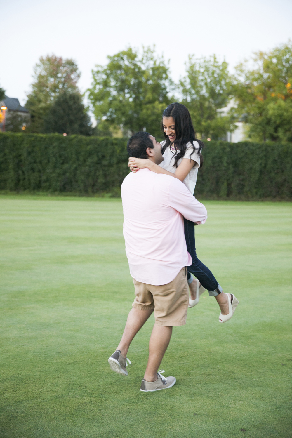 centennial_lake_edina_engagement_21.jpg
