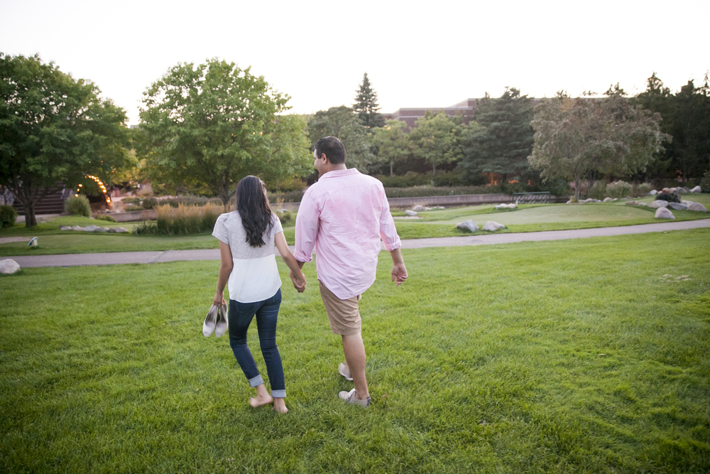 centennial_lake_edina_engagement_23.jpg