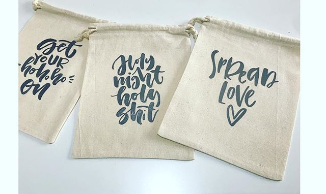 Got your christmas shopping sorted Yet? We have some hot new products landing this week. Including our handmade large gift bags with foil lettering! Perfect for those with a sense of humour! ⠀⠀ ⠀⠀ #chalknco #christmas #handmadechristmas #etsy #etsyaustralia #handcrafted #christmas #christmasmarket ⠀⠀ #giftbags #foil #personalised ⠀⠀