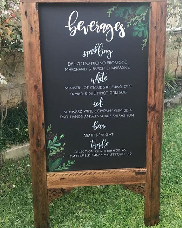 Its 5 oclock somewhere right? ⠀ ⠀ ⠀ #chalknco #chalkart #beverages #barmenu #bar #chalk #sign #weddingsign #aussieweddings #weddinginspo #perth #perthsignwriter